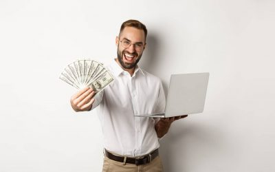 A picture of a recruiter who looks happy for boosting his recruitment ROI