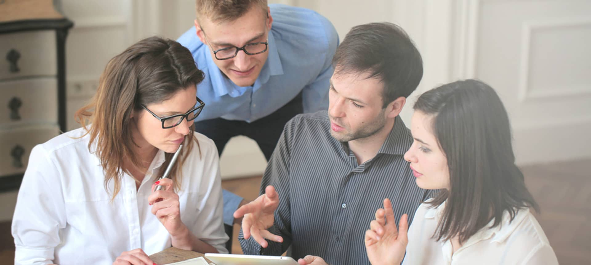 recruiters collaborating together